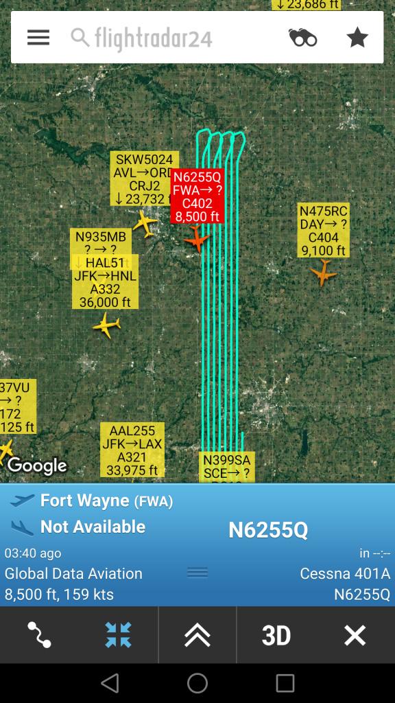 トラブル発生中の航空機の航跡